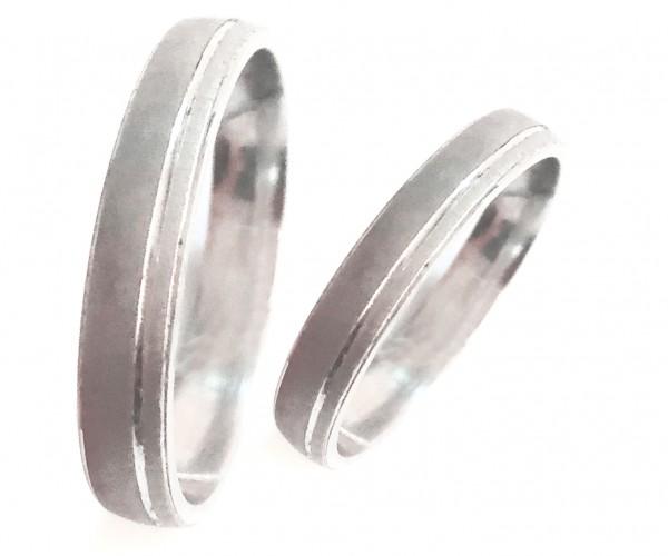 schmaler schlichter Ehering mattiert aus 925er Silber MyOwnName